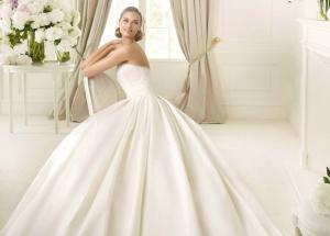 Свадебные платья из атласа: роскошная красота, которая доступна каждой невесте